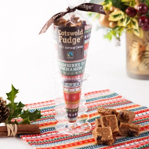 Cranberry & Cinnamon Fudge Cone  (Fairtrade) 150g
