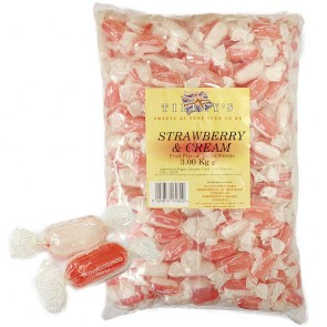 Strawberry & Cream Wrapped Sweets 3Kg