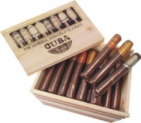 Venchi 54 Chocolate Cigars In Wooden Box